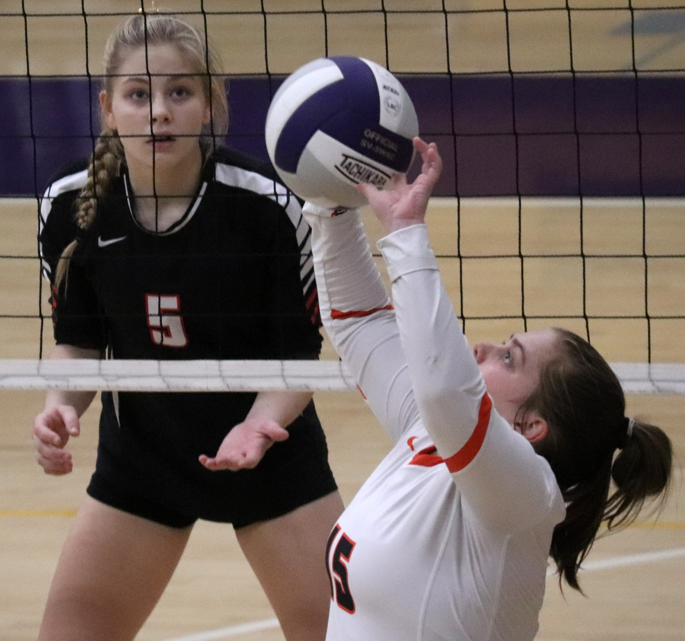 Comets fall in 3 sets to NH in match for 2nd place