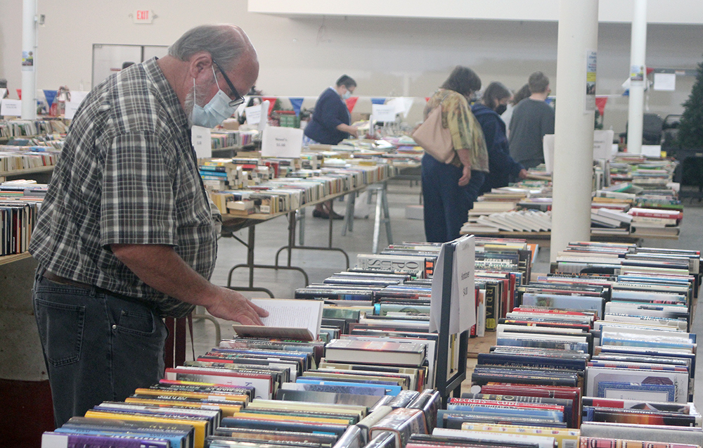 Lions Club puts more than 40,000 books on sale