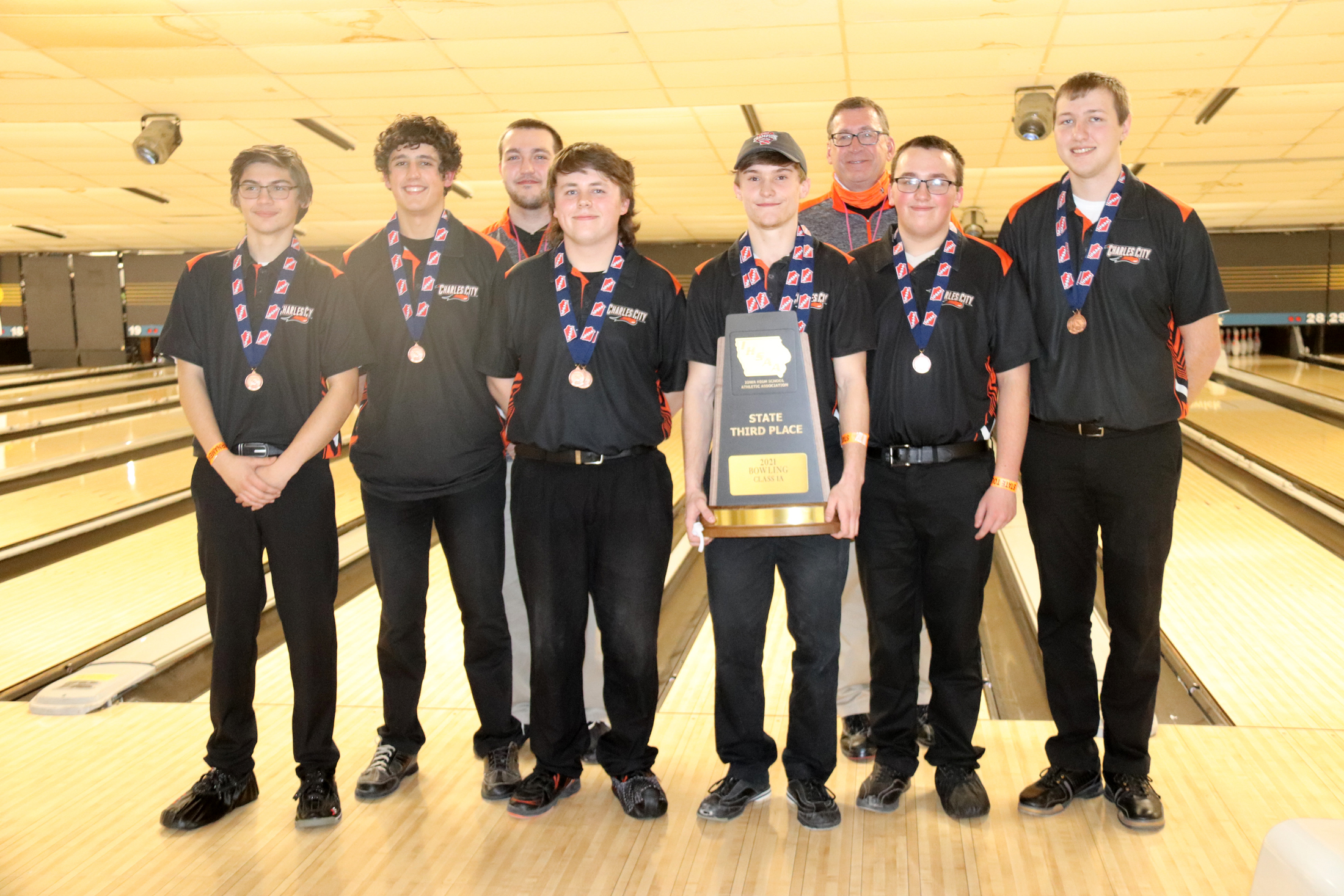 Bohlen stays hot for state bowling title; Comet boys place 3rd