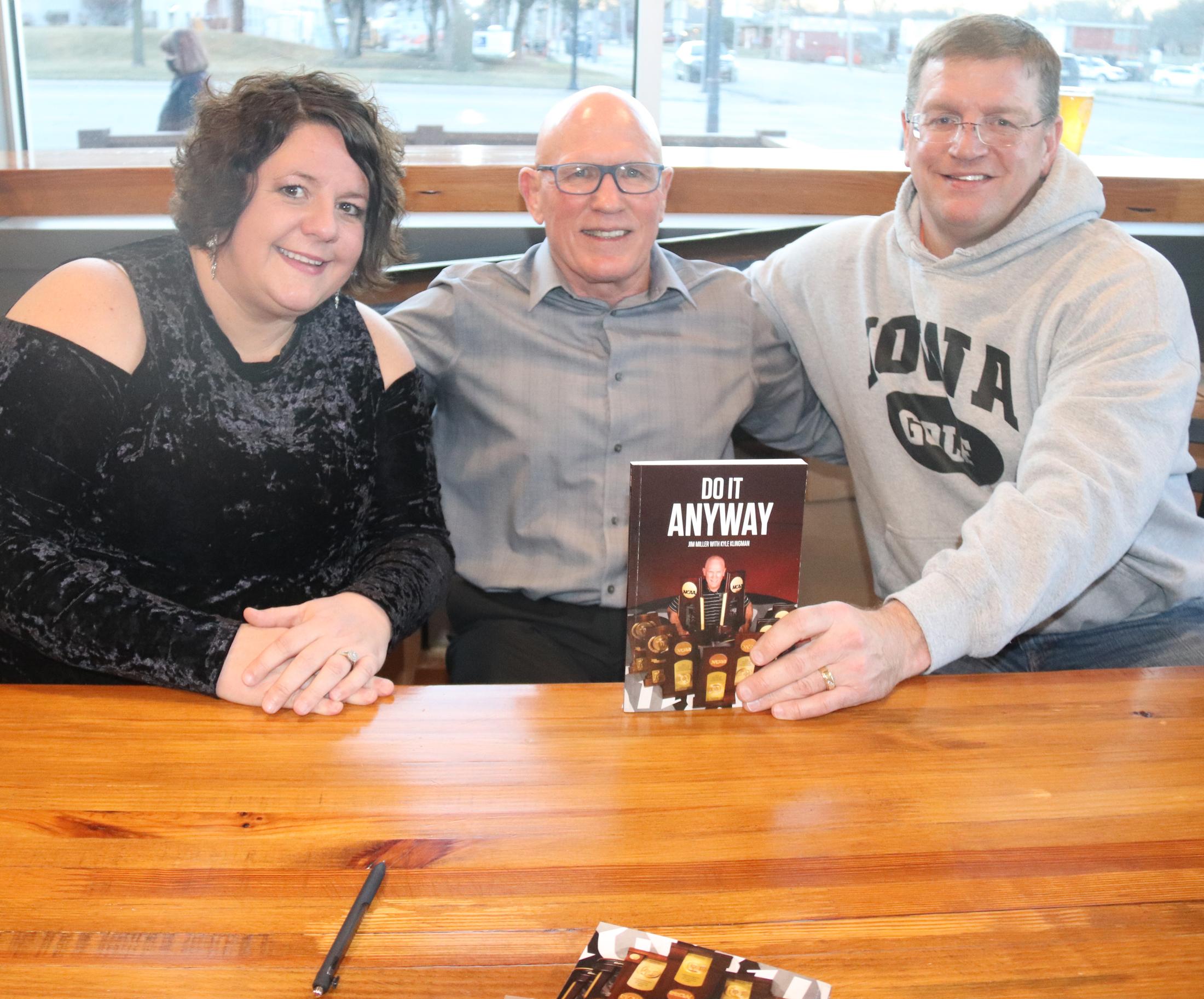 Former Comet coach, Wrestling HOFer Jim Miller holds book signing at Saint Charles Brewery Co.